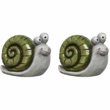2x stuks dieren tuinbeeldje slak groen van magnesium 17 cm