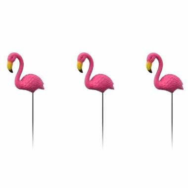 3x tuindecoraties flamingo op prikkers/stekers 70 cm