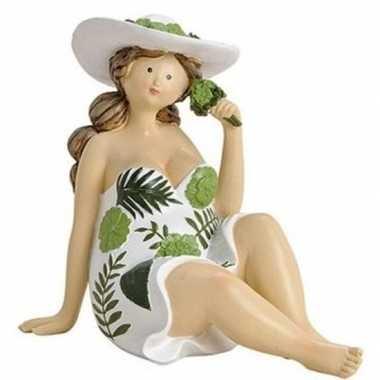 Dikke dame beeldje groen wit jurkje 15 cm